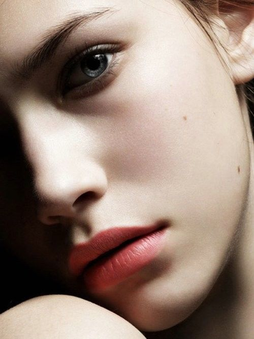 Love this natural look. Lipstick is perfect!