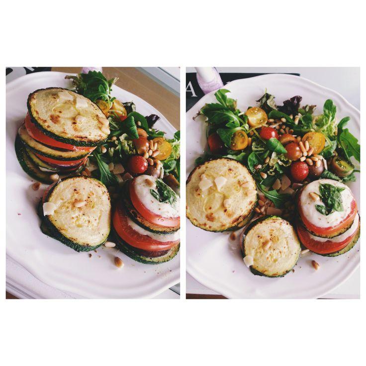 Torentjes aubergine courgette tomaat mozarella - Sandra Bekkari