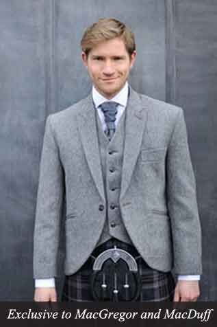 Love this grey tweed Kilt outfit