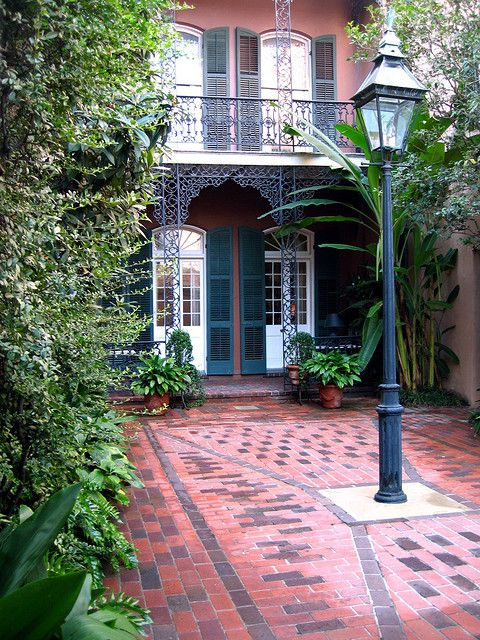 Similar to the apartments Liz, and Riley live in.  Courtyard in the French Quarter, New Orleans