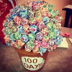 Love this Lollipop 100 days of school project in a planter. Cute!