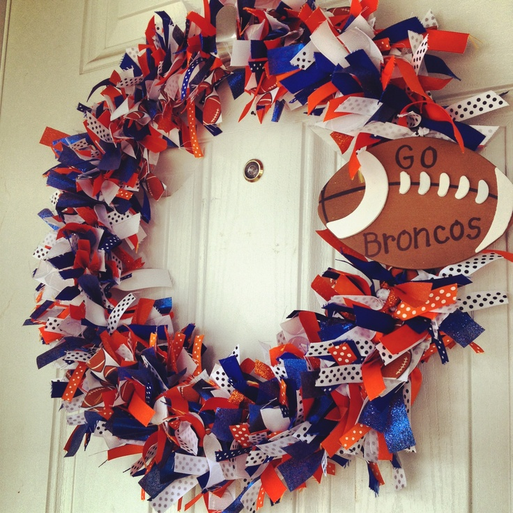 Denver Broncos wreath, will be making this for upcoming season!....for Brie!