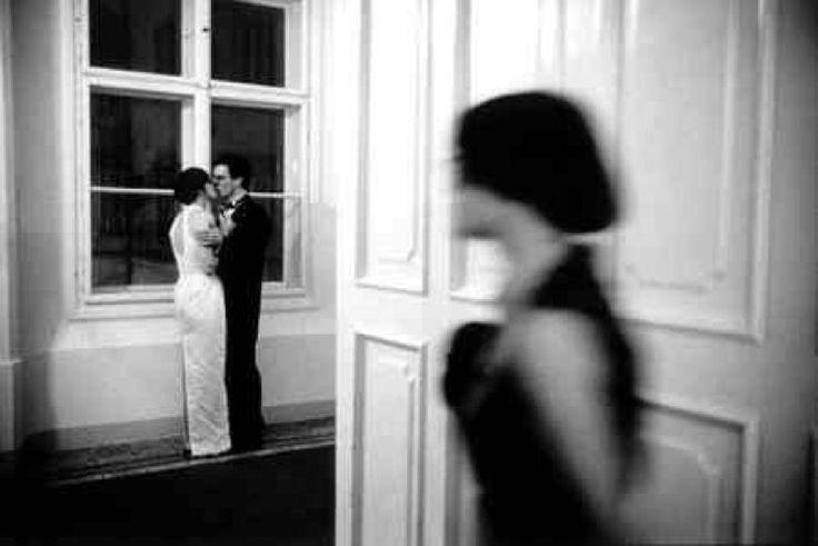 Fu così che scoprì che Eleonore aveva un amante. L'amore talvolta fa male.