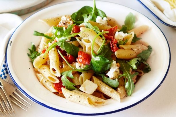 Try this quick semi-dried tomato & basil Penne for a tasty, fuss-free home-cooked meal.