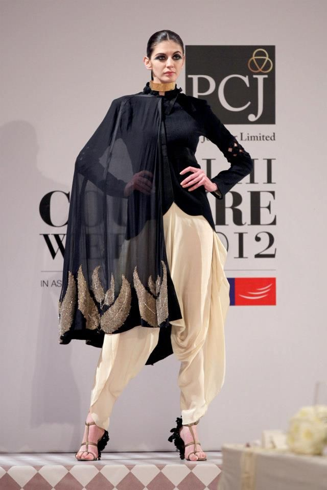 Delhi Couture Week 2012: Anamika Khanna- Friday night dinner outfit for Mom