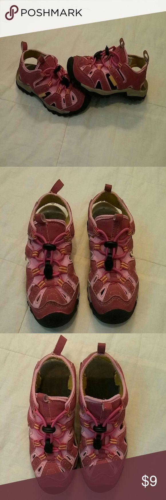 Girls Northside Pull on Sandals Water Shoes Size 9 Girl Northside Pull on Water Shoes or Sandals size 9. Very Nice Condition. Non smoking Home Northside Shoes Water Shoes