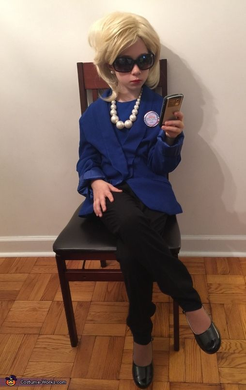 how to make a Hillary clinton Halloween costume