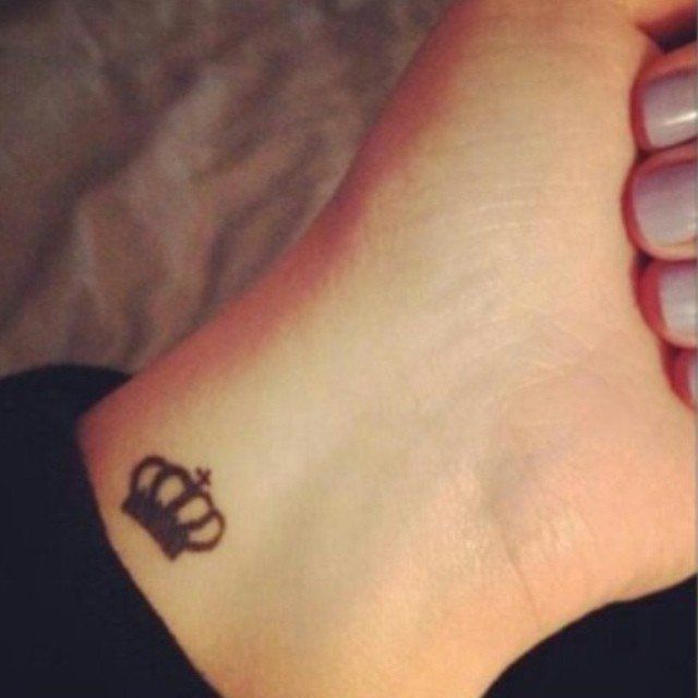 17 best ideas about tiny wrist tattoos on pinterest small wrist tattoos small tattoos and. Black Bedroom Furniture Sets. Home Design Ideas
