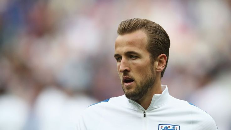 Ryan Bertrand: Harry Kane should succeed Wayne Rooney as captain