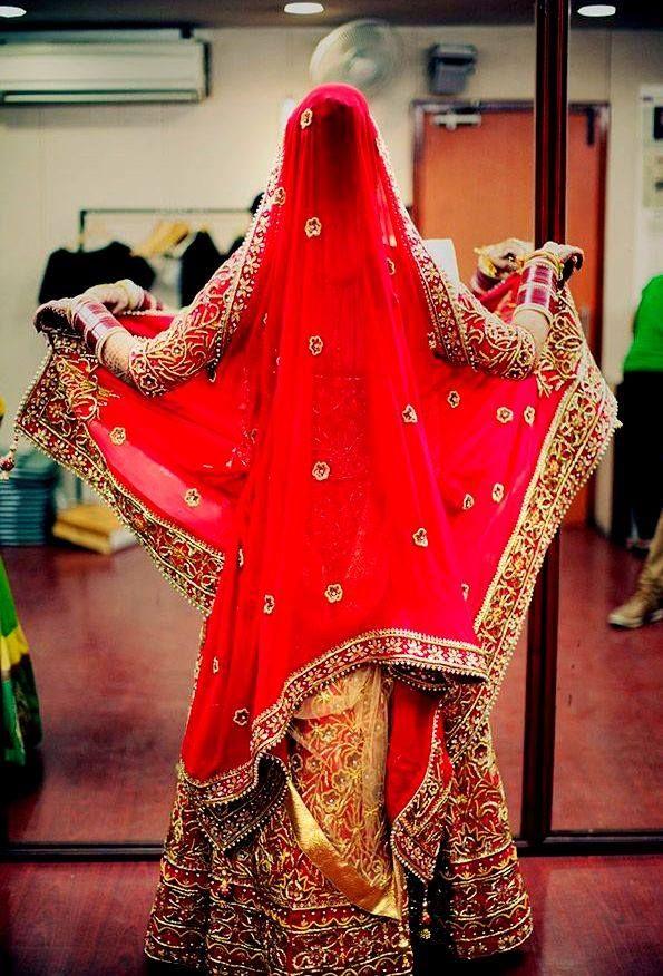 💋 Photo by Sandeep Sonwane, Bhopal #weddingnet #wedding #india #indian #indianwedding #weddingdresses #mehendi #ceremony #realwedding #lehenga #lehengacholi #choli #lehengawedding #lehengasaree #saree #bridalsaree #weddingsaree #photoshoot #photoset #photographer #photography #inspiration #planner #organisation #details #sweet #cute #gorgeous #fabulous #henna #mehndi