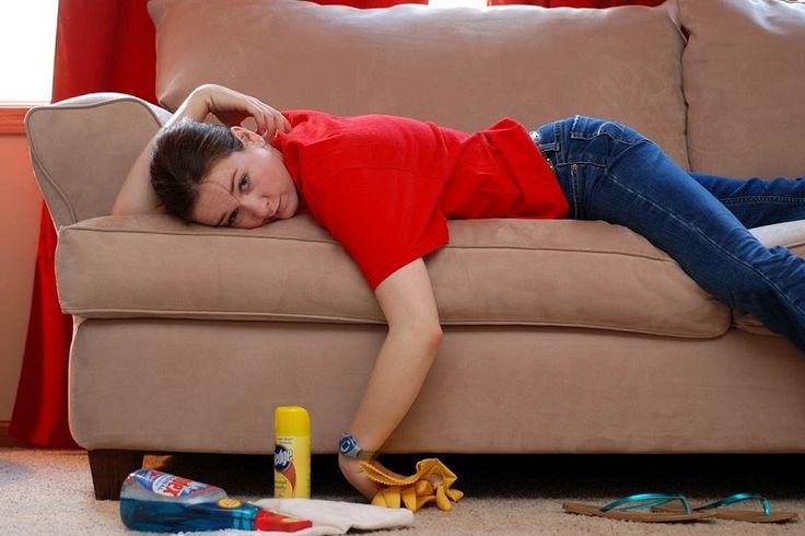 Как почистить диван от пятен разного происхождения
