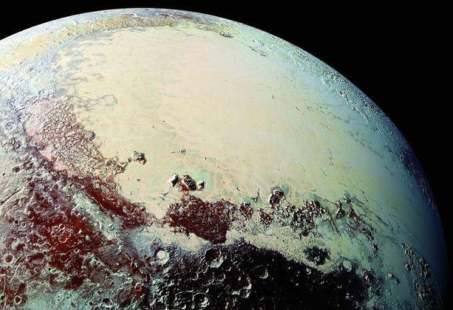 Gambar Pluto terdekat yang diambil wahana antariksa New Horizons, Juli 2015. Kredit: NASA/SwRI/JHUAPL   SpaceNesia - Pada Juli 2015 sila...