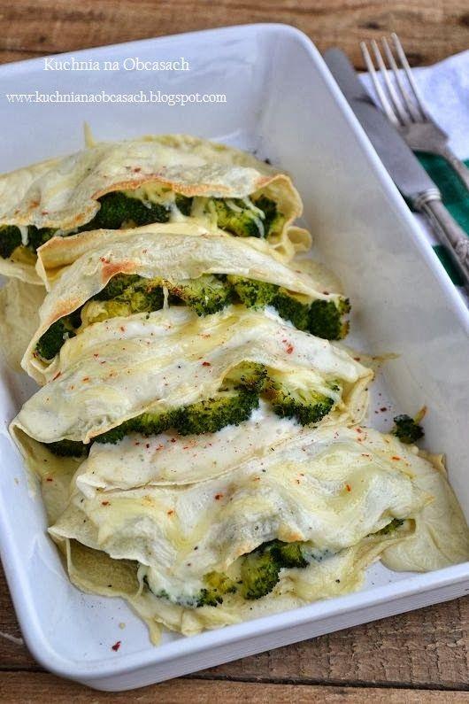 Zapiekane naleśniki z brokułami i żółtym serem