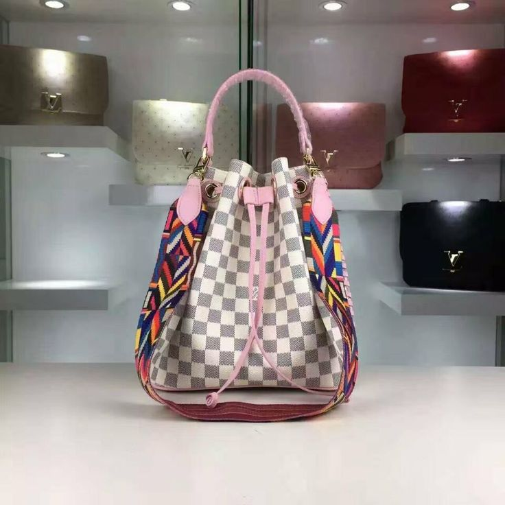 Louis Vuitton43559  93USD