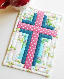Easter is nearly upon us – the most important time in the Christian calendar.  As much as I love bunnies .....Bunny Hop Mug Rug and chocolate eggs ......Easter Mug Rug it is the symbol of hope, forg