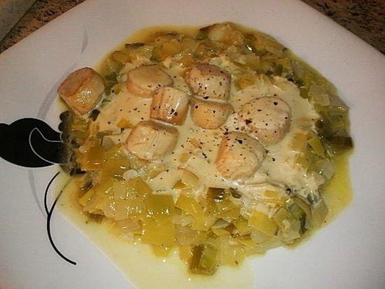 Recette de Noix de Saint-Jacques sur sa fondue de poireaux : la recette facile