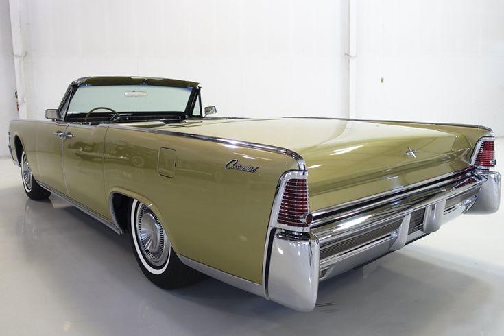 Das unglaubliche Lincoln Continental Cabrio von 1965, das hier vorgestellt wird, ist in …   – US-Cars / American Pride