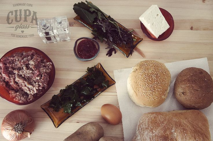 BREAD, BUNS, BURGER, COOKING, CRANBERRY, DINNER, GOAT CHEESE, GROUND TURKEY, HERBS, ROSEMARY, SAGE, SAUCE, SAVORY