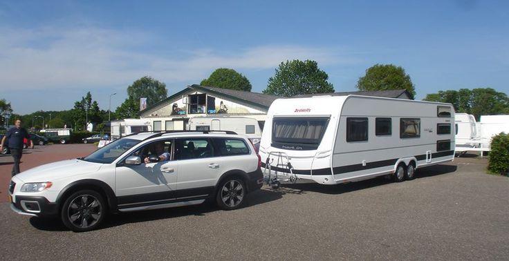 Een prachtige combinatie een Volvo XC70 en een Dethleffs caravan