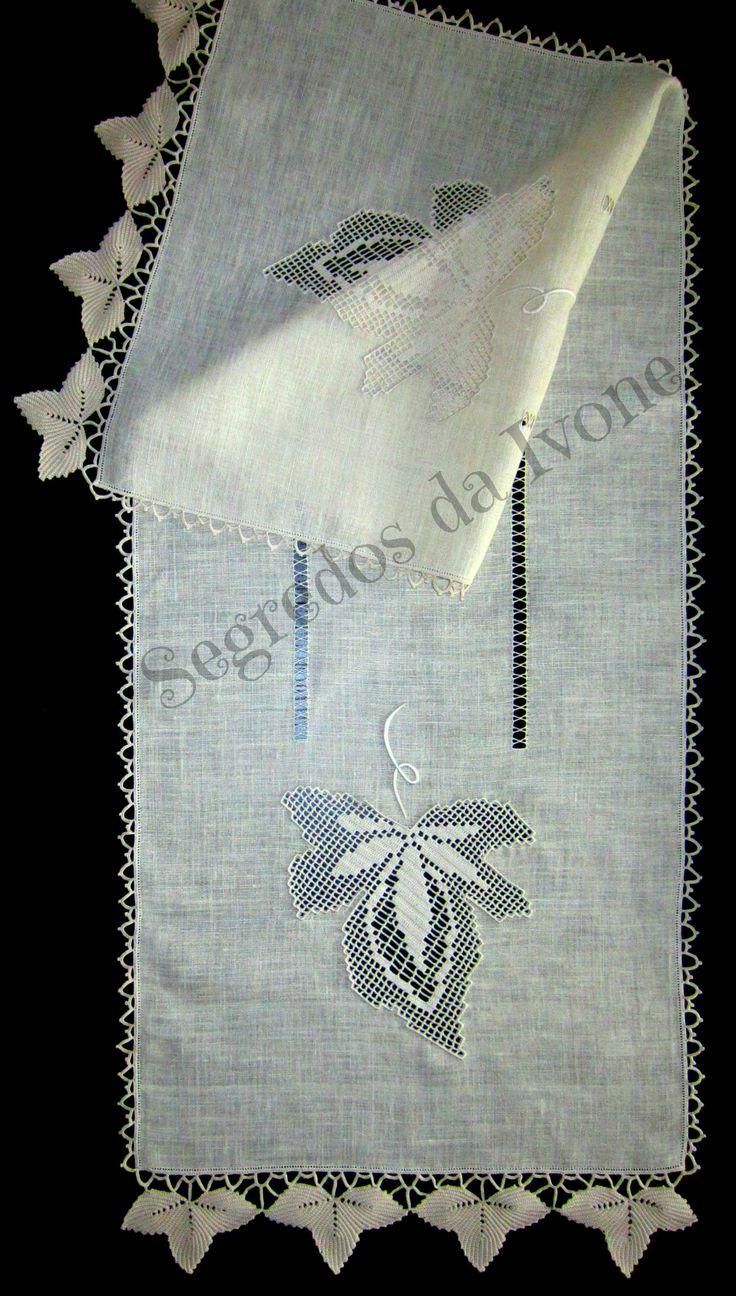 CM33- Crochet em caminho de mesa