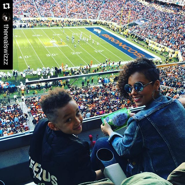 Pin for Later: Get an Inside Look at Super Bowl 50, Courtesy of Your Favorite Stars Alicia Keys