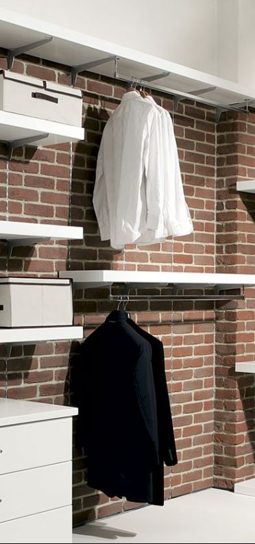 Rivestimenti - Pietra Primiceri - Mattone È simile ai vecchi mattoni fatti a mano usati in passato per realizzare antichi edifici e case rurali. Può essere utilizzato per interni ed esterni rendendo le pareti rivestite molto esclusive. È un prodotto antigelivo e ad alta resistenza.