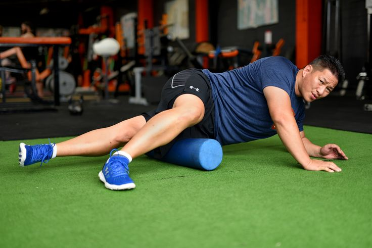 It Band Release Technique. Lie on your side, place a foam roller on the side of your thigh. With the aid of one foot and both hands, roll the foam roller up and down on the IT Band for 30 seconds.  Then massage the IT Band on your other leg. This will help relieve tightness in the IT band.  Note, this release technique can be painful, to manage the amount of pain you can place more of your bodyweight on your grounded foot and both hands.