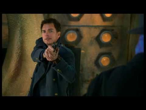Exclusive Doctor Who Scene-- The Doctor playing David Tennant... Omigosh how have I NOT seen this before??? <<-- Hilarious!