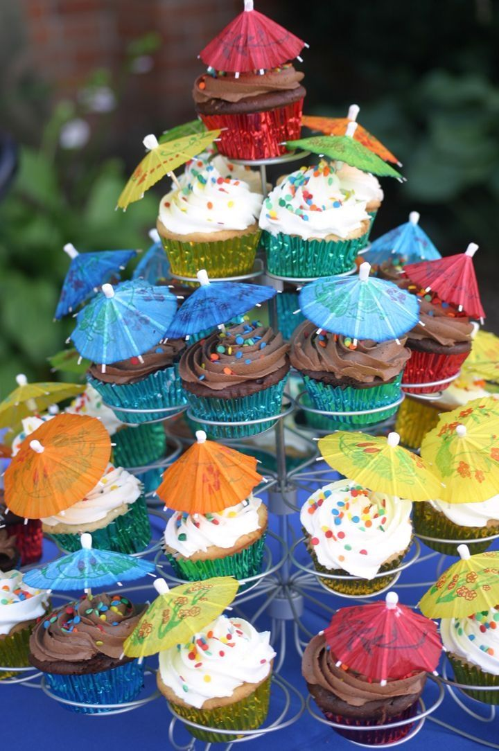 lilo+and+stitch+birthday+party+theme | Cupcake Tree — Lilo and Stitch Birthday Cake Photos | Party ideas
