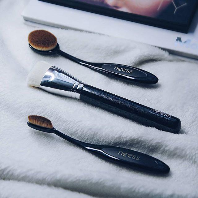Cudowne pędzle od @neess_official  Mega mięciutkie i precyzyjne. Zdecydowanie moje ulubione  neess.pl  #brushes #mynewlove #makeupstuff #girlstuff #makeupjunkie #mua #makeupaddict #l4l #f4f #picoftheday #instaphoto #followme #makeup #brush