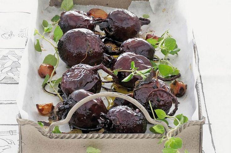 Lákavé predjedlo, výnimočná príloha k mäsu i teplá ľahká večera. Pečená cvikla má naozaj pestré využitie.