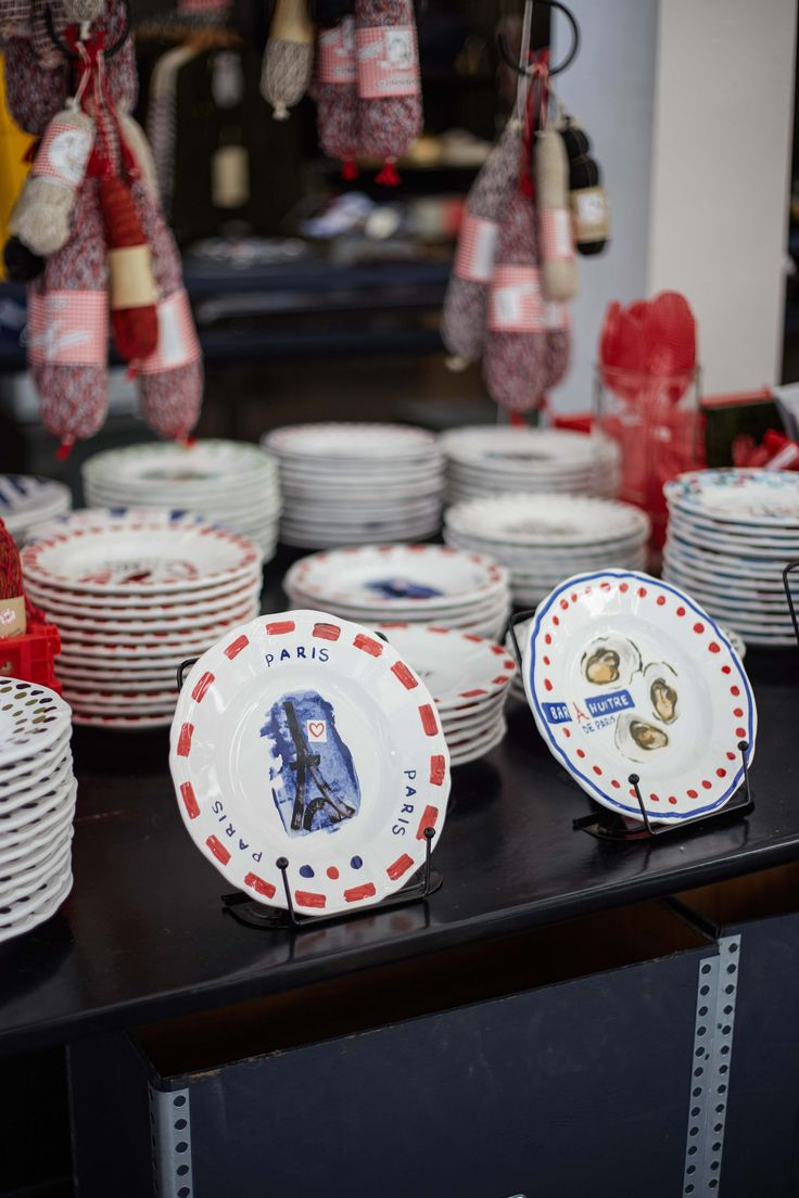 """""""Souvenir de Paris"""" plates by Paola Navone for Merci"""