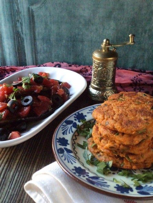 Algériai grillezett padlizsán és burgonyapogácsa