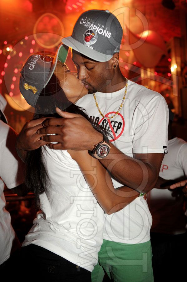 Gabrielle Union & Boyfriend D.Wade Spotted Making-Out Post NBA Win :)