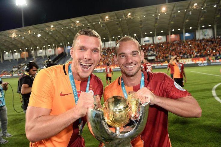 Lukas Podolski & Wesley Sneijder #Galatasaray #TurkishSuperCup