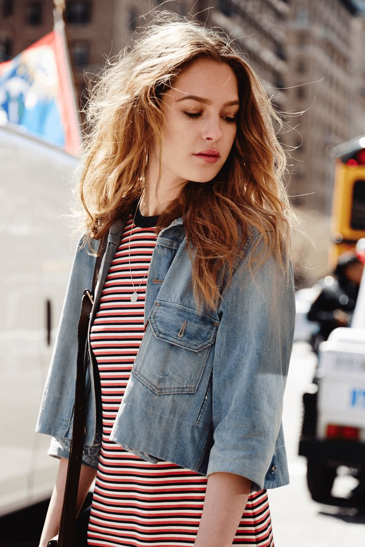 'I'm late again, but I'm way too clumsy to rush. I'd definitely trip.' - New York with Ally
