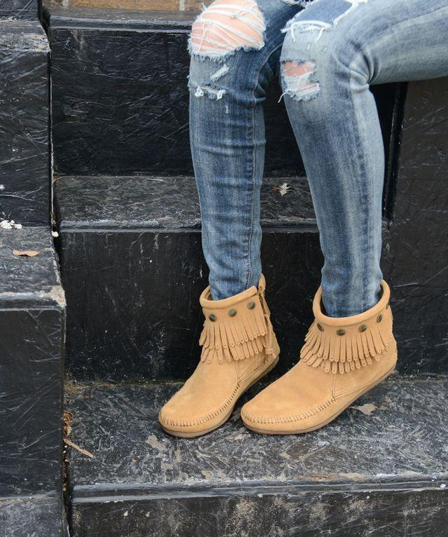 2 Boots, 4 Ways to Style   Minnetonka Moccasin