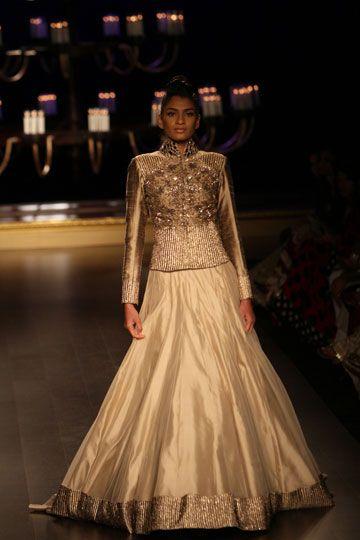 Manish Malhotra Collection 2014 | Vogue Wedding Show 2014