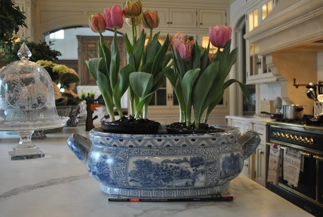 The Enchanted Home: Spring is in the air.....at least in my house!  Blue and white  planters with pink flowers, Fabulous