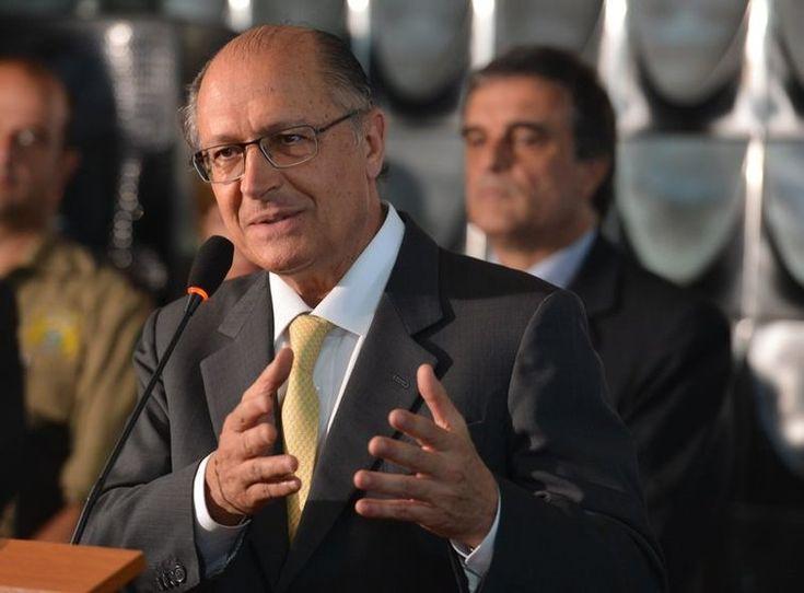 Governador Geraldo Alckmin sanciona reajuste do salário mínimo paulista - http://po.st/PHG6qQ  #Política - #Economia, #Reajustes, #Salário-Mínimo