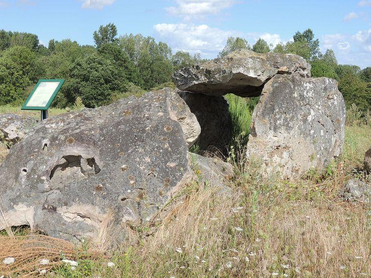 le lude dolmen d'amenon
