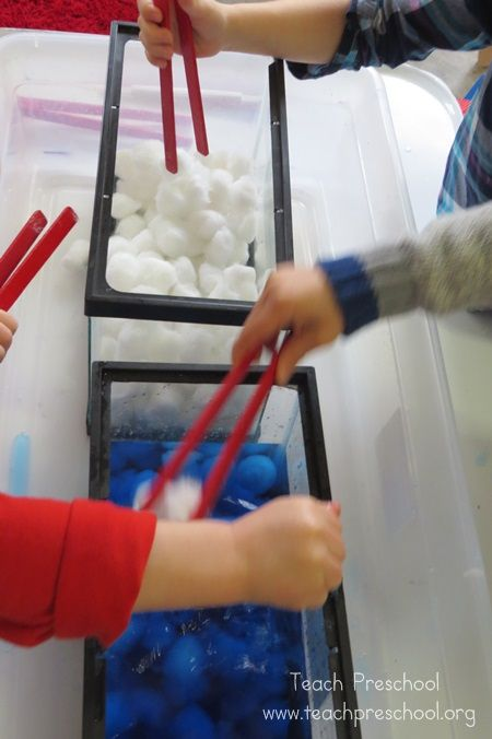 Exploring raindrops and clouds in preschool