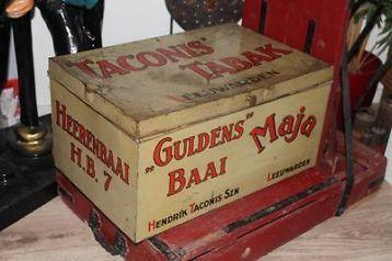 "Winkelblik van Taconis Tabak. ""Guldens Baai""."