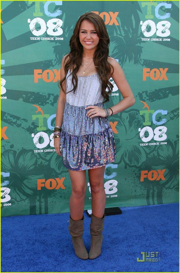 Miley Cyrus At The Teen Choice Awards 2008-5735