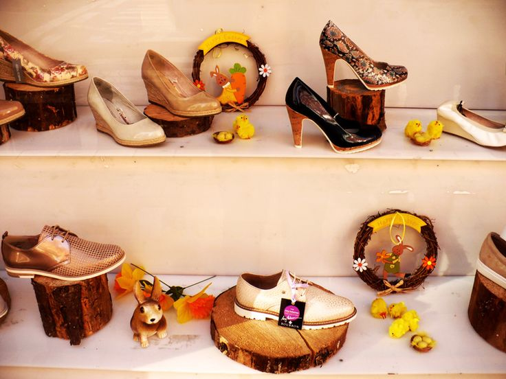 Grahams shoes store window display for Easter 2017