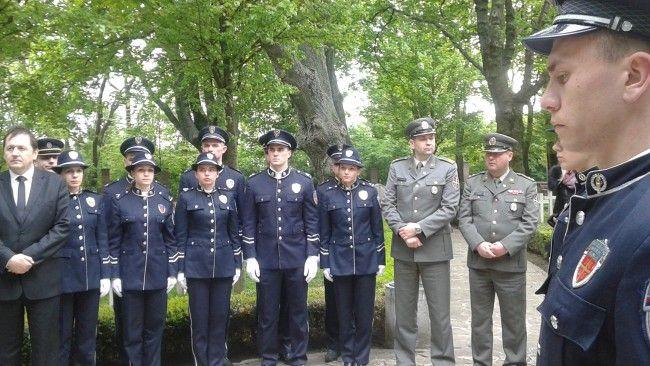 Na vojenskom cintoríne v Petržalke si uctili pamiatku zosnulých Srbov - Slovensko - TERAZ.sk