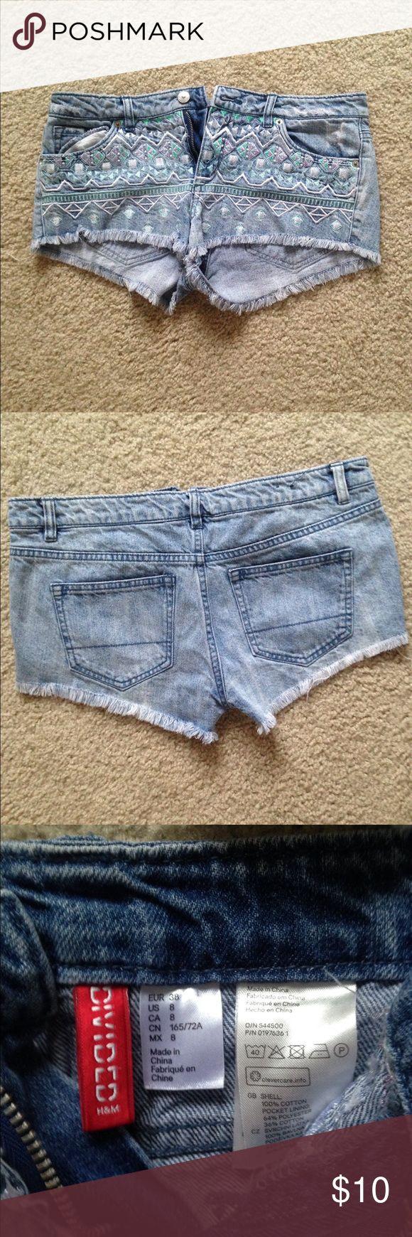 H&M jean shorts size size8 daisy duke style H&M jean shorts size size8 daisy duke style cut off shorts used H&M Shorts Jean Shorts