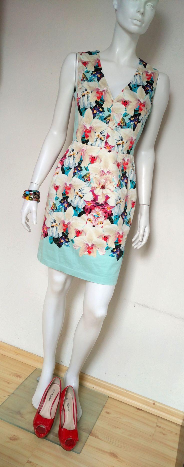 Turkusowo-kremowa sukienka w kwiaty 36 S  #sukienka #sukienkaolowkowa #sukienka36 #sukienkawkwiaty #storczyki #turkusowasukienka #kremowasukienka