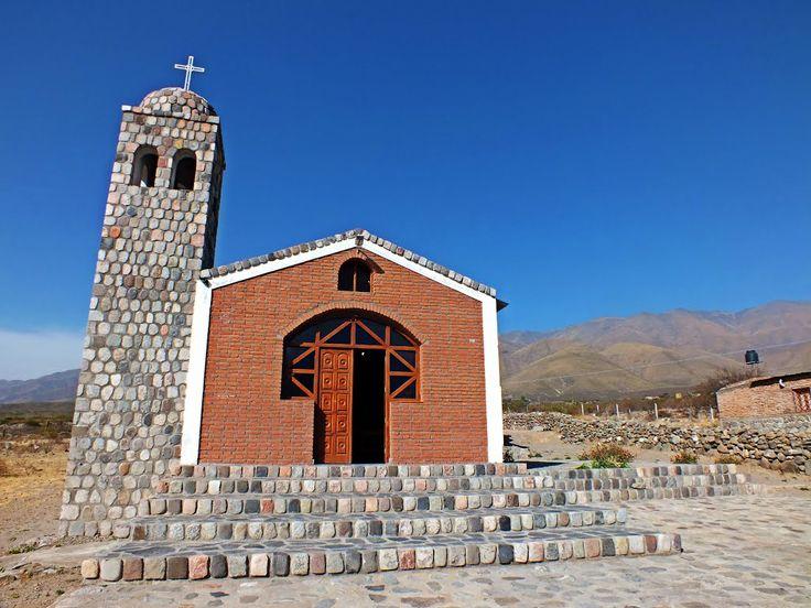 """Capilla """"Sagrado Corazón de Jesus"""" de Ampimpa; Tafí del Valle Tucumán,  Argentina. fotografia gracias a Omar Gobbi from panoramio."""