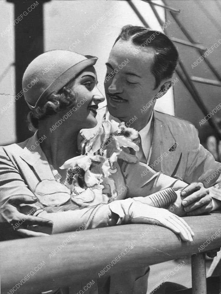 news photo candid Carole Lombard William Powell on a ship 2106-35